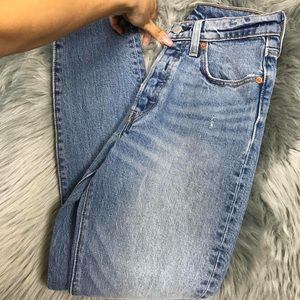 NWT High Waisted Levi's Jeans